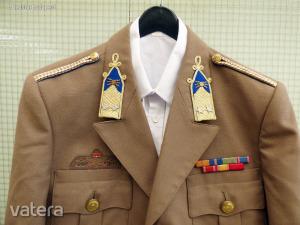 Magyar katonai egyenruha+ing
