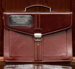 Pénzügyminisztérium költségvetési táska (bivaly bőr)