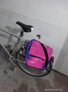 Pink-lila kerékpáros csomagtartó és hátizsák táska szett, új- a hétköznapokhoz, vagy kiránduláshoz