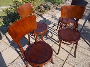 Négy  régi  szék