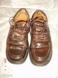 Minőségi   CLARKS   42-42,5-s    kényelmes,    bőr   cipő.