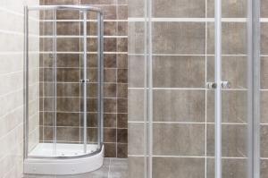 Favorit STEP zuhanykabin íves, több méretben