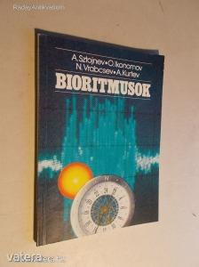 A. Sztojnev - O. Ikomonov - N. Vrabcsev - A. Kurtev: Bioritmusok (*KYN)