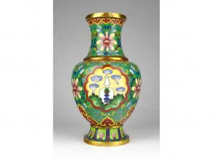 1G326 Antik buddhista szimbólumos tűzzománc japán réz váza 18.5 cm
