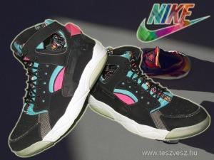 Nike Flight Huarache Black Retro Női sportcipő! 38-as méret!