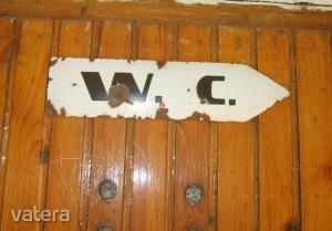 Zománctábla : WC iránytábla :  30 cm ,  MÁV állomás iránytáblája volt