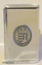 Női vékony (slim) cigarettatartó ón címer matricával , 20 szálas - 1600 Ft - Vatera.hu Kép