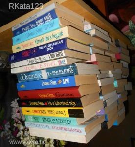 50 db Danielle Steel könyv egyben eladó
