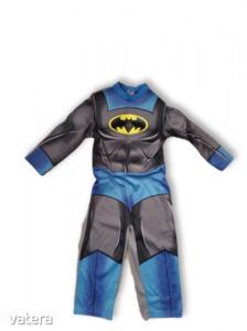 3-4 évesre Batman jelmez