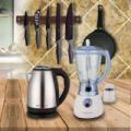 Konyhai ajándékcsomag: vízforraló,turmixgép,késkészlet,palacsintasütő
