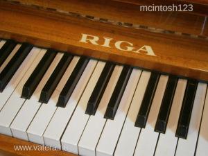 RIGA pianínó eladó szép állapotban ; ha egy zongora nem fér el otthon, egy pianínó ideális választás