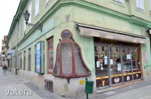 Utcai bejárattal Üzlethelyiségek Miskolc Belváros