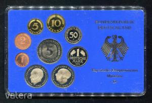 1978 D  Németország  műanyag tokos forgalmi sor  BG38