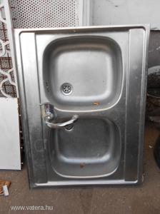 Eladó kétmedencés használt mosogató csapteleppel