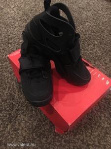 ÚJ 35,5 Nike Huarache